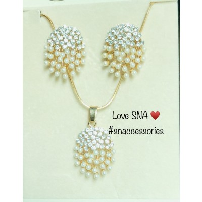 Pearls and Diamondies Earnings and Pendant Set