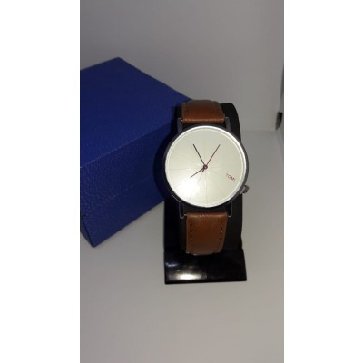 Casual Leather Strap Watch With Free Gift Box