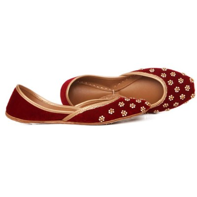 MAROON Satin/Embroided Khussa